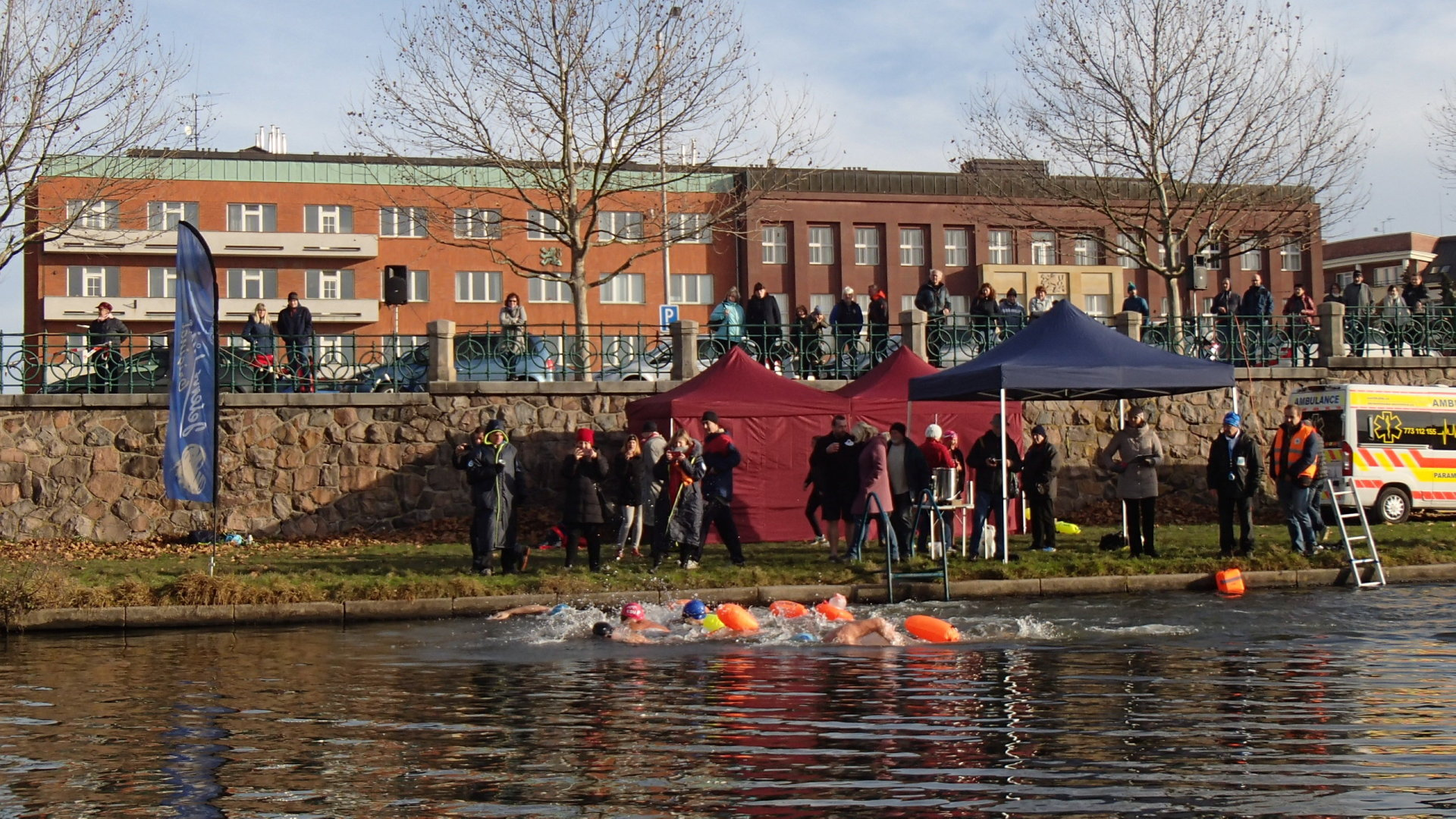 River Labe 2019 - Krátce po startu mužů, třetí rozplavba na 1000 metrů.